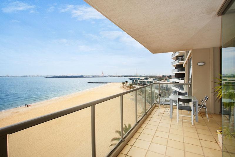 405_147 Beach St - terrace
