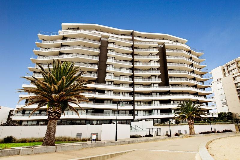 503_155 Beach St_building