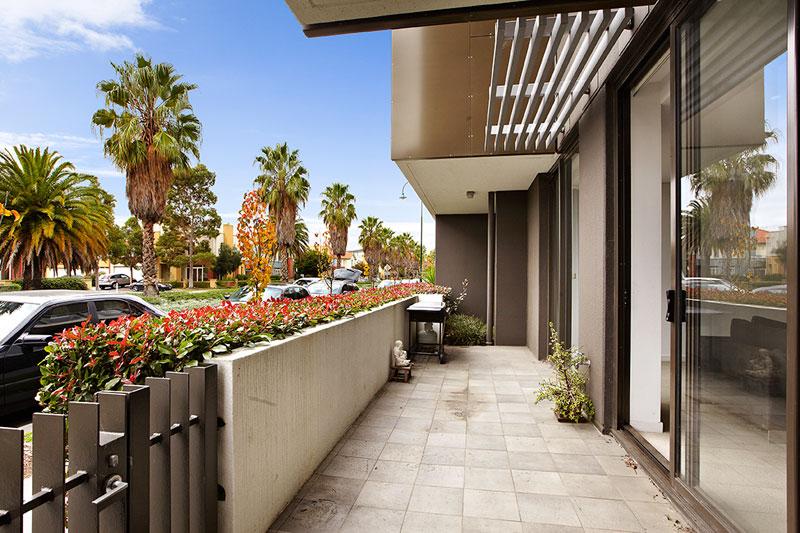 Terrace_2_153_Beach_St