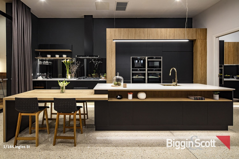1_164_inglesst_kitchen